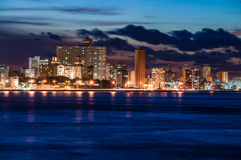 Havannacigarr (Habana) på natten Royaltyfri Bild