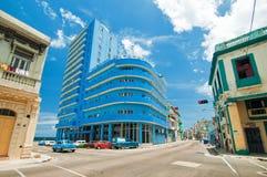 HAVANNACIGARR KUBA - AUGUSTI 15, 2016 Sikt av att förbise för Deauville hotell Fotografering för Bildbyråer