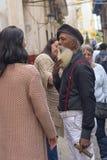 HAVANNACIGARR KUBA - JANUARI 04, 2018: En svart man med ett vitt skägg Fotografering för Bildbyråer