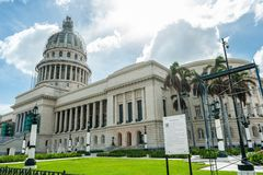 HAVANNACIGARR KUBA - OKTOBER 22, 2017: Havana Capitol Arkivfoto