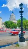HAVANNACIGARR KUBA - SEPT 16, 2016 Klassisk amerikanare för tappning, commo Royaltyfri Bild