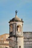 Havannacigarr Kuba: watchtower av Castillo de la Verklig Fuerza, med iconic statyLa Giraldilla Royaltyfri Foto