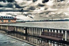 Havannacigarrfjärdsikt på en regnig och mörk dag Fotografering för Bildbyråer
