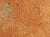 Haveloze muur met barsten Stock Foto's
