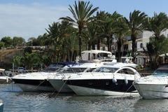 Haven, Cruiseschip van S Forti, Cala d'Or, Cala Gran, Cala Esmeralda, Cala Ferrera, Cala Marcal aan Porto Colom, Majorca Royalty-vrije Stock Foto