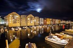 Haven in de nacht stock afbeeldingen