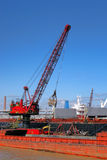 Haven Industrieel Crane Loading Transportation Barge Royalty-vrije Stock Foto's