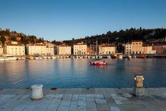 Haven in Piran bij zonsondergang, Slovenië, Europa Royalty-vrije Stock Afbeeldingen