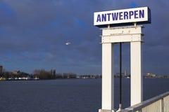 Haven van Antwerpen stock foto