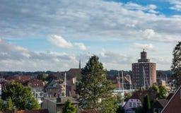 Haven van Eckernförde met schepen en ronde silo in Sleeswijk-Holstein, Duitsland royalty-vrije stock foto's
