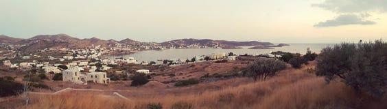 Haven van Finikas op Siros-Eiland in Griekenland stock foto