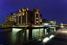 Haven van Hamburg bij nacht duitsland royalty-vrije stock foto