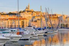 Haven van Marseille in zonsondergangtijd Stock Foto