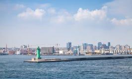 Haven van Napels, cityscape met groene lighthous Royalty-vrije Stock Foto's