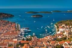 Haven van oude Adriatische eilandstad Hvar Stock Foto