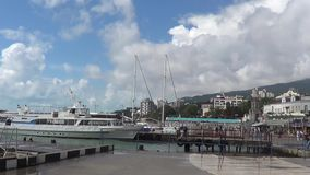 Haven van stad Yalta, de Krim stock video