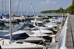 Haven van Thonon les Bains in Frankrijk stock foto