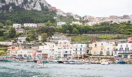 Havens van Capri in de Baai van Napels Italië stock afbeeldingen