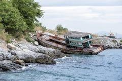 Haverifiskebåt på havet Arkivfoto
