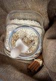Havermeelgraangewassen een glaskruik Royalty-vrije Stock Fotografie