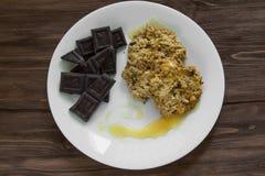 Havermeelkoekjes met honing en chocolade Stock Foto