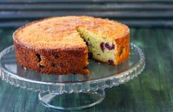Havermout, de cake van de amandelkers stock afbeelding