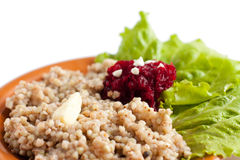 Havermoutpap die met saladeclose-up wordt gediend Stock Foto's