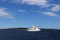 Havet går i Cannes Arkivfoto