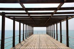 Havet himmel, pir, sommar, blått, vatten, Black Sea, fodrar Arkivbilder