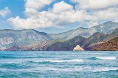 Havet och bergen Arkivfoto