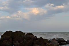 Havet och stenarna Royaltyfri Foto