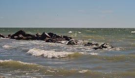 Havet och stenarna Arkivfoton