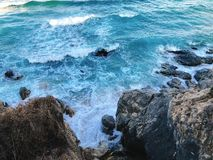 Havet och vinkar arkivbild