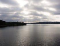 Havet på en molnig dag Arkivbilder