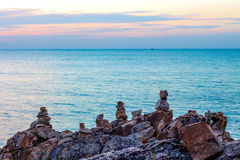 Havet till himmel vaggar ferie Arkivfoton