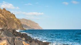 Havet vågor för blått vatten som kraschar på, vaggar Timelapse lager videofilmer