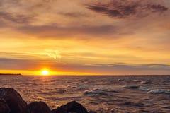 Havkust på soluppgång Fotografering för Bildbyråer