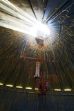 Havre fyller en silo från inre Royaltyfri Fotografi