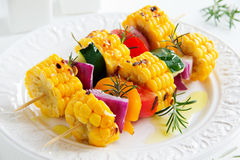Havre som grillas med grönsaker royaltyfri bild