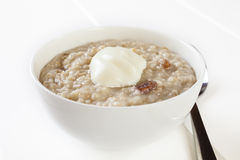 Havregröt med yoghurt Royaltyfria Bilder