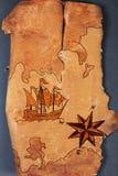 Havsöversikten med illustrationer av den seglingskytteln och kompasset steg på beställningen av forntider på naturlig träbakgrund royaltyfri fotografi