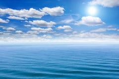 Havs- och blåttsky Royaltyfri Foto