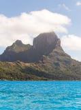 Havs- och Otemanu berg. Bora-Bora. Polynesia Royaltyfri Bild
