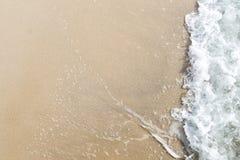 Havs- och sandbakgrund/textur/tapet Royaltyfri Foto