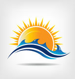 Havs- och solsäsong. Vektorlogo. Abstraktion av su