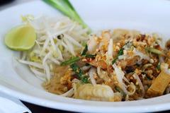 Havs- Padthai, den berömda maten av Thailand Royaltyfri Bild