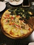 Havs- pizza och spenatpizza Royaltyfri Bild