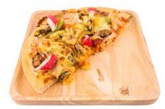 Havs- pizza på vit isolerad bakgrund Arkivfoton