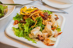 Havs- sallad - räka, tioarmad bläckfiskbläckfisk Arkivfoton