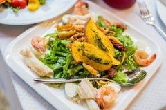 Havs- sallad - räka, tioarmad bläckfiskbläckfisk Royaltyfria Foton